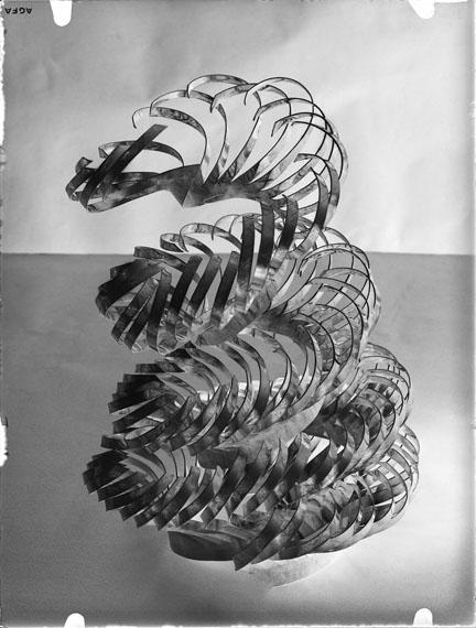 Alfred Ehrhardt, student work, preliminary course Alfred EhrhardtLandeskunstschule Hamburg 1930–33glass negative, 9 x 6 cm © Alfred Ehrhardt Stiftung