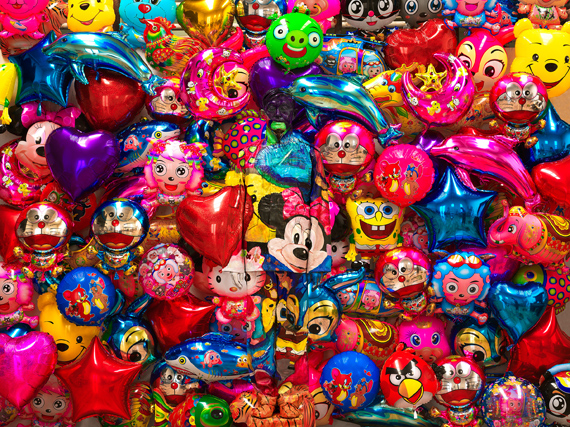 © Liu Bolin, Balloon No. 1, 2012