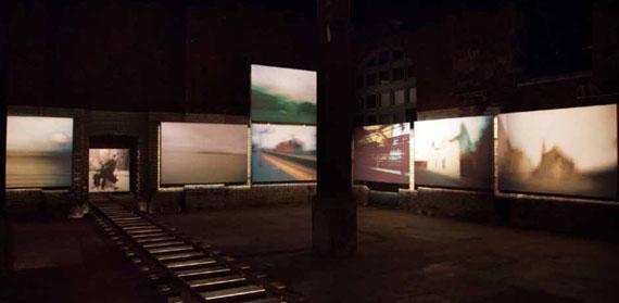 Karen Stuke: Ausstellungsansicht, The Wapping Project, London, 2013