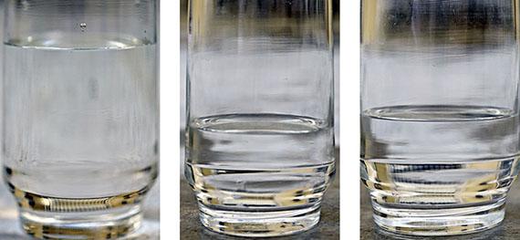Thomas FlorschuetzGlas/Wasser 65, 7tlg., 2015C-Print/DiasecJe 43 x 31 cm© VG Bild-Kunst, Bonn 2019