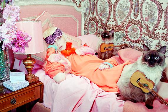 Miles AldridgeCat Story #3, 2008©Miles Aldridge / Courtesy of Christophe Guye Galerie