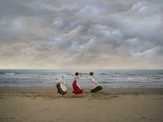 Katerina Belkina: The Three Spinners. Coming, photograph, 75 x 100, edition 8