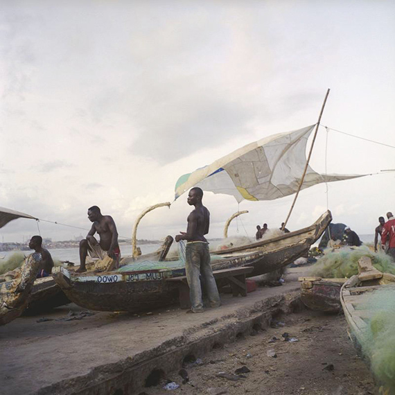 Denis Dailleux: La voile à James Town, Ghana. 2009. C-Print, 120 x 120 cm, mounted, framed, Ed. 6