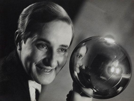 Aenne BiermannSelf-Portrait, 1930–1931Gelatin silver print, 17,6 x 23,4 cmMuseum Folkwang, Essen