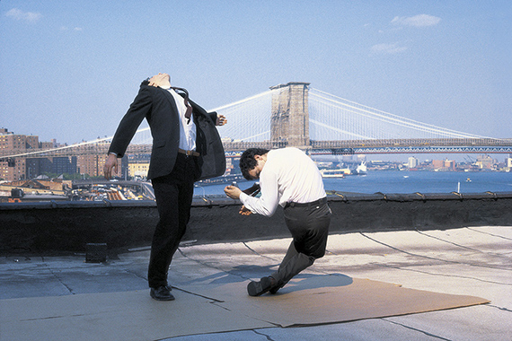 Robert Longo, Men in the Cities, New York, 1976/1982 © Robert Longo, courtesy Schirmer/Mosel Verlag