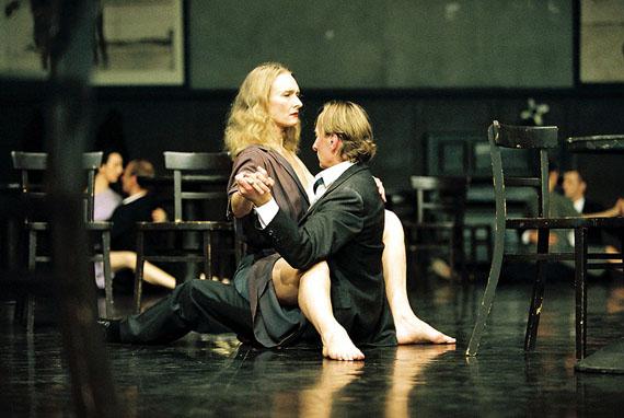 Ursula Kaufmann: Bandoneon – A piece by Pina Bausch, D. Julie Shanahan, Dominique Mercy, 2005© Ursula Kaufmann
