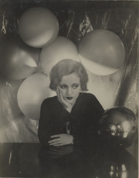 CECIL BEATON (1904-1980)Tallulah Bankhead, 1929gelatin silver print, printed ca. 1929mounted; r titled; v titled, stamped, numbered35,2 x 27,5 cm