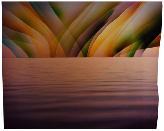 Chloe SELLSThe Whisperers, 2016C-type print93,5 x 113 cmUnique© Chloe Sells / Galerie Miranda