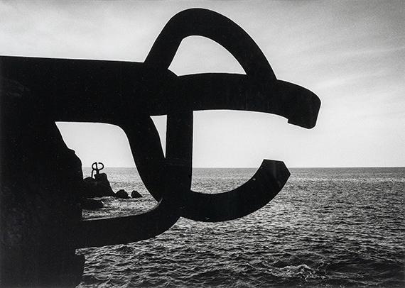 Barbara Klemm: Windkämme, Eduardo Chillida, San Sebastián, Spanien. 2000.