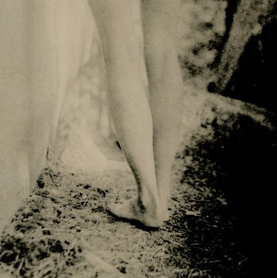 """Jambes 1 (Rebecca) © Isa Marcelli"