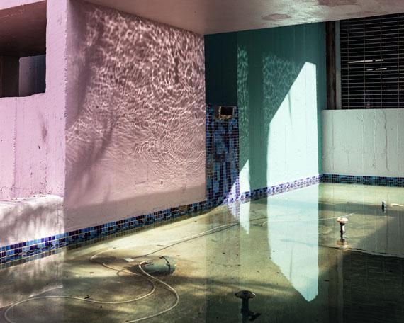 Anastasia Samoylova: Fountain. 2018. Dye-sublimation print on aluminum, , 101 x 127 cm, Ed. 5