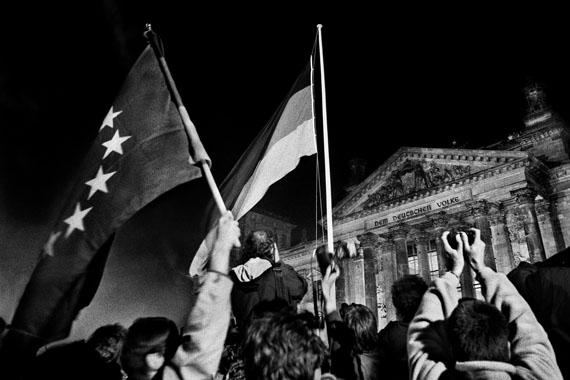 Berlin, 03.10.1990, 0 Uhr, vor dem Reichstag, Widervereinigung © Regina Schmeken