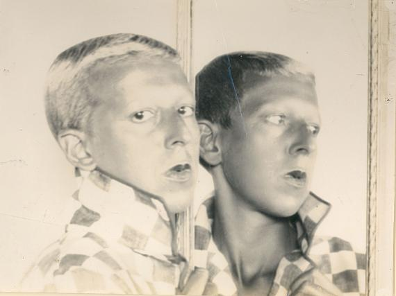 Claude Cahun: Self portrait (reflected in mirror), 1928 © Claude Cahun / Jersey Heritage Collection