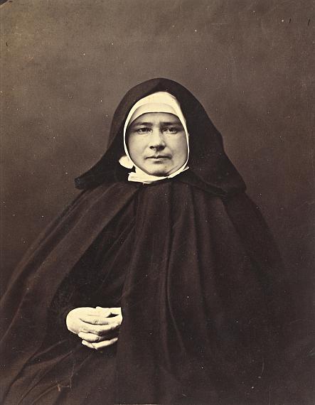 """Lot 246 NADAR (Gaspard-Félix TOURNACHON dit) (1820-1910)""""Marie Jamet, supérieure des Petites sœurs des pauvres"""", c. 1860"""