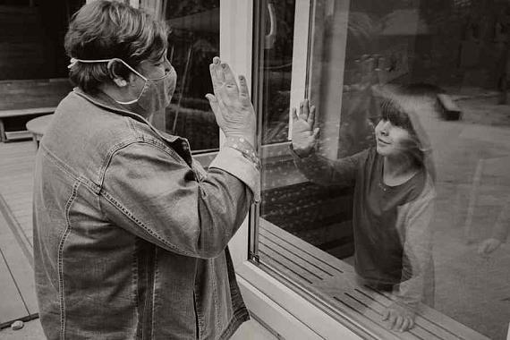 """Aus der Serie: """"Der Mensch bleibt ein soziales Wesen"""" © Andreas Teichmann"""