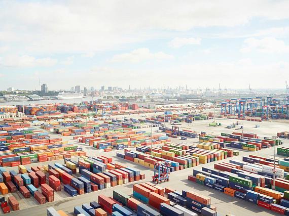 Henrik Spohler: Containerterminal, Hamburg 2013, Deutschland© Henrik Spohler