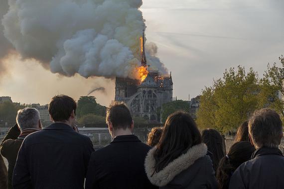 Patrick Zachmann: Ein Feuer zerstört Teile der Kathedrale Norte-Dame de Paris, Frankreich, 15. April 2019 © Patrick Zachmann/ Magnum Photos