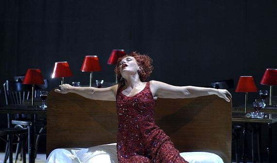 """""""Parsifal"""" von Richard WagnerL'Opéra Bastille Paris 2008Regie: Krzysztof WarlikowskiBühne: Malgorzata SzczęśniakKundry: Waltraud Meier© Ruth Walz"""