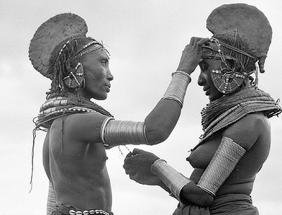 Rendille women preparing for a ceremony, Northern Kenya 1970 © Mirella Ricciardi courtesy Michael Hoppen Gallery