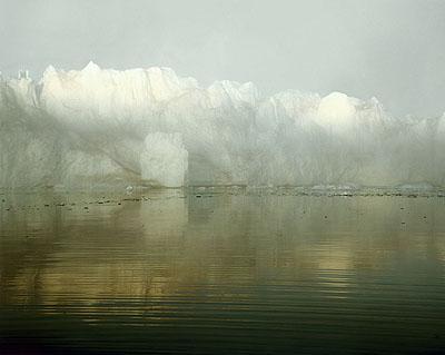 © Olaf Otto Becker, Ilulissat Icefjord 8, 69_11'59''N, 51_08'08''W, 112x134 cm, Pigmentdruck auf Museumskarton, Edition 5
