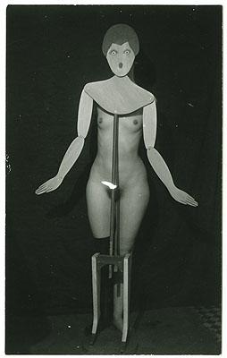 Kleiderständer, 1920 © The Man Ray Trust