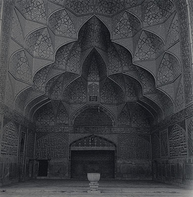 Lynn DavisFriday Mosque (Jame Mosque), Isfahan,2001Iran N° 3Gelatin silver enlargement print, toned with gold91,44 x 91,44 cm© Lynn DavisCourtesy Galerie Karsten Greve, St. Moritz