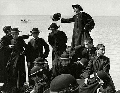 Seminarists by the Sea, Naples, Italy  1959© Herbert List / Magnum Photos / Contrasto
