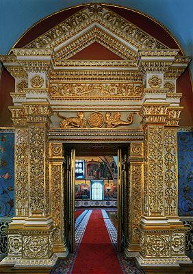 © Robert PolidoriThe door into the faceted chamber, Kremlin, Russia, 2005