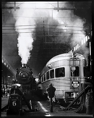 Dearborn Station, Chicago, 1941 Photo by Andreas Feininger © AndreasFeiningerArchive.com