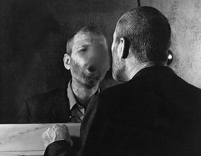 Dieter AppeltDer Fleck auf dem Spiegel, den der Atemhauch schafft, 1977/2008Silbergelatine; 50 x 60 cmCourtesy Galerie Kicken Berlin