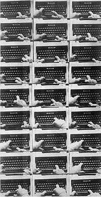 Peter Weibel Metaphysisches Gedicht für einen Amphioxus, 1971Mensch-Maschine-Interaktion – Fotosequenz. Sammlung des KünstlersFotos ZKM