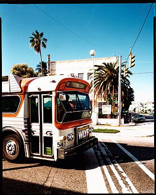 Stephen ShoreWashington Avenue,10th Street, Miami Beach, Florida, November 13, 1977Color Print 35,5 x 27,8 cm Haus der Photographie / Sammlung F.C. Gundlach, Hamburg