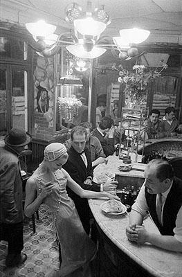 1957, JDM, halls a 27/30, 40x50cm© Frank Horvat