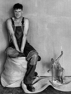 © Manfred Hamm, Rainer Fetting im Atelier Berlin-Kreuzberg, 1999, 50 x 60 cm auf Ilford Galerie Papier