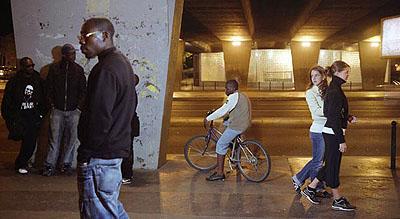 Mohamed BOUROUISSA (Algeria-France), La République, 2006 © Mohamed Bourouissa/Galerie Les filles du calvaire