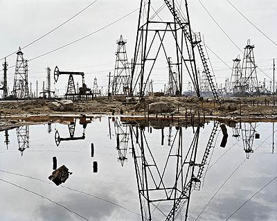 SOCAR Oilfields #3, Baku, Azerbaijan, 2006 © Edward Burtynsky, courtesy Torch Gallery Amsterdam & Nicholas Metivier Gallery Toronto