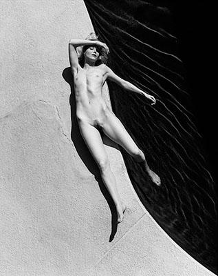 © Georg Holz, Rachelle Poolside