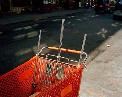 O.T. (Einkaufswagen / New York) 2008  Foto: Jörg KoopmannCourtesy Galerie Sonja Junkers
