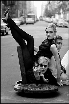 Burt Glinn, Andy Warhol with Edie Sedgwick and Chuck Wein,New York City, 1965 © Burt Glinn / Magnum Photos