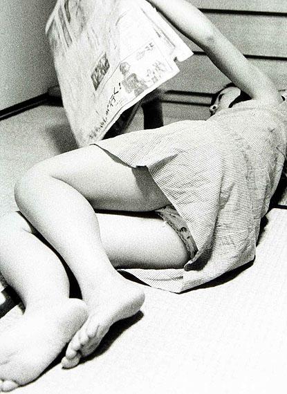 Nobuyoshi Araki: Aus der Serie: My Wife Yoko, 19681976. s/w-Fotografie, 30,7 x 25,4 cm. Österreichische Fotogalerie, MdM Salzburg. © Nobuyoshi Araki