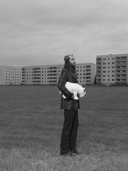 Neuzeit, 2009/2010Joachim Baldauf, Meissen Macht Ikonen, 2009 - 2010Fotografieserie mit 31 Motiven, Ditoneprints, je 100 x 120 cm© Joachim Baldauf und Staatliche Porzellan-Manufaktur Meissen GmbH