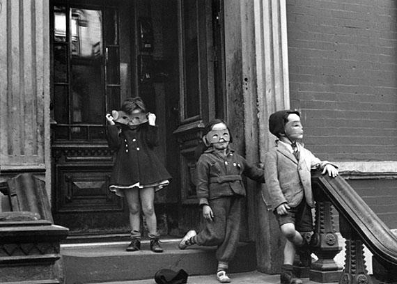 © Helen LevittNew York, 1942(Kids With Masks)silver printCourtesy Estate of Helen Levitt