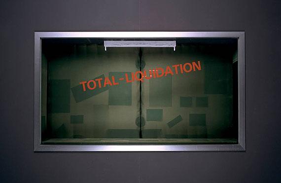 Stefan BurgerTotal-Liquidation, 2009Found showcase, aluminium, glass, wood, fabric, 94 x 172 x 27 cmUnique piece, Hauser & Wirth Collection, Henau© Stefan Burger