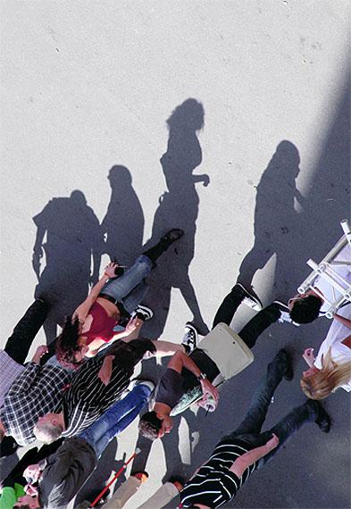 © JULIA KISSINASHADOWS CAST PEOPLE - 2008-09Piezo-pigment-print / Innova Cotton high white