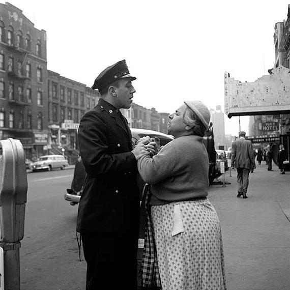 Vivian Maier: Twinkle, twinkle, little star # 26Armenian woman fighting, Sept. 1956, Lower Eastside, NY