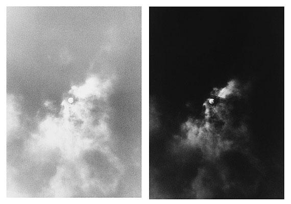Timm Rautert, Sonne und Mond von einem Negativ, 1972, je 20 cm x 13,4 cm Bromsilbergelatine