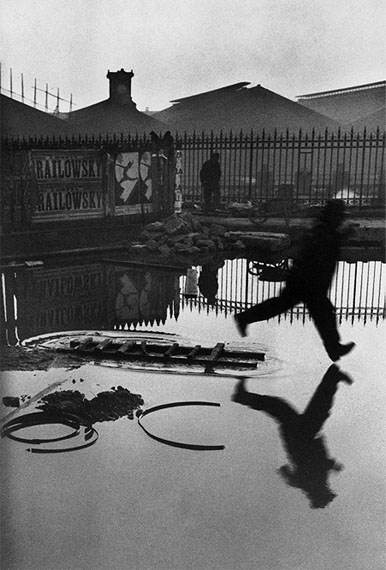Henri Cartier-Bresson, Place de l'Europe, Gare Saint-Lazare, Paris, 1932, © Henri Cartier-Bresson/Magnum Photos