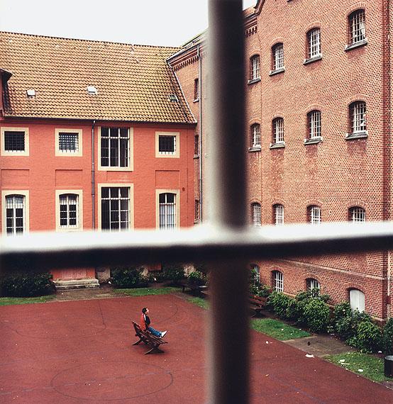 eingesperrt – Jugendabteilung eines Frauengefängnisses, 2002