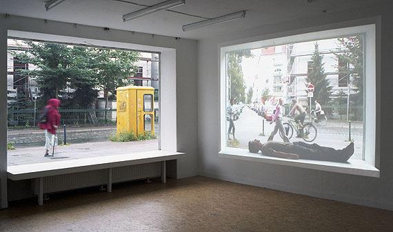 Sebastian Stumpf, Installationsansicht von Sleep, Wohnung Felix Rehfeld, Bremen, 2007
