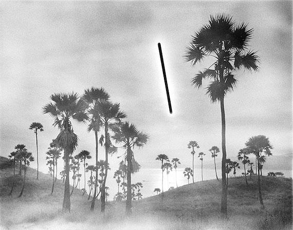 Hans-Christian Schink, 3/28/2010 6:43 am - 7:43 am S: 08°27.131' E: 119°52.396', 2010,Silbergelatine-Abzug, Auflage 8. Formate: 80 x 98 cm, 121x145 cm, 178 x 214 cm